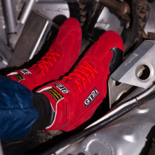 GT2I FIA red boots